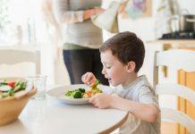 Một số mẹo khuyến khích trẻ thử những món ăn mới