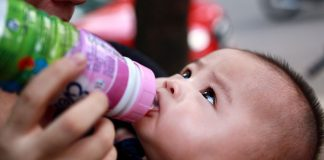 Sữa nước Lactel Eveil